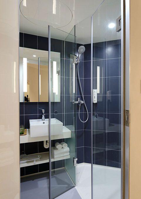 Szkło do łazienki – w jaki sposób dokonać wyboru?